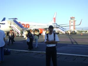 Didepan bandara Hasanuddin Makassar